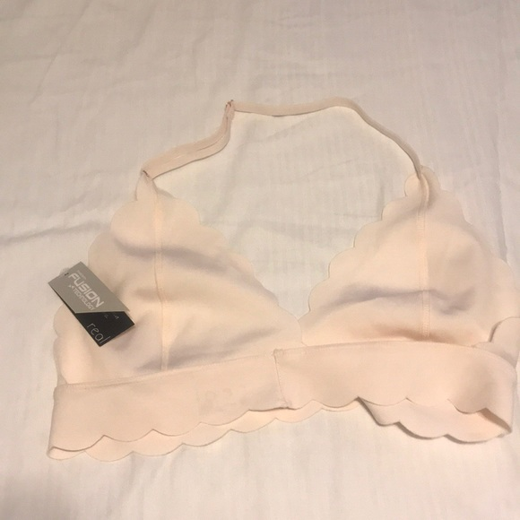 Out from under Sierra scallop Fusion bra UO 693a3f2c8